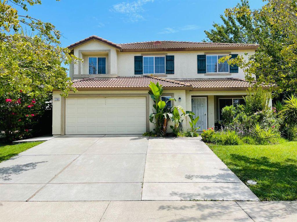 1700 Rosehall Way, Sacramento, CA 95832