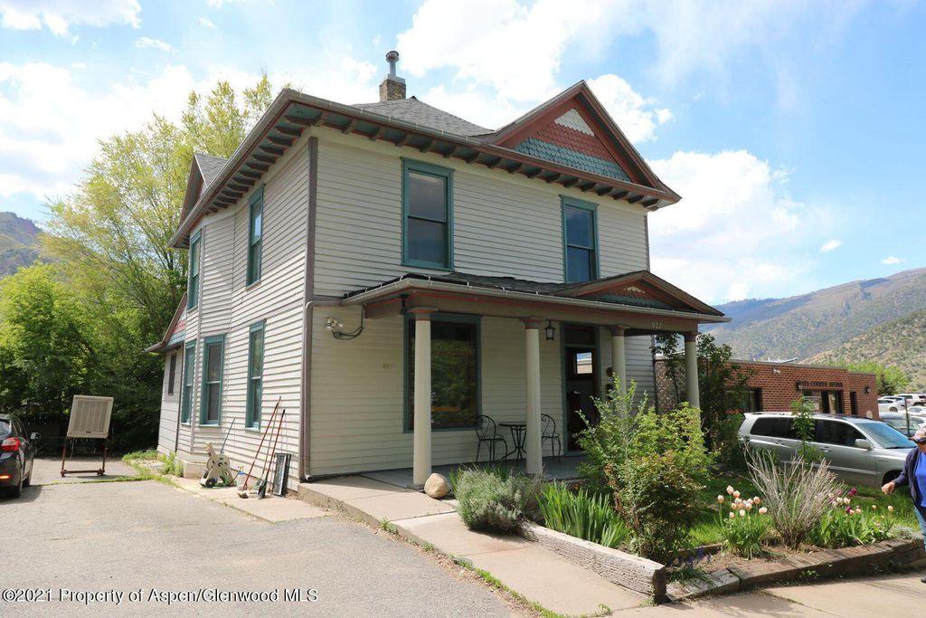 927 Cooper Ave, Glenwood Springs, CO 81601