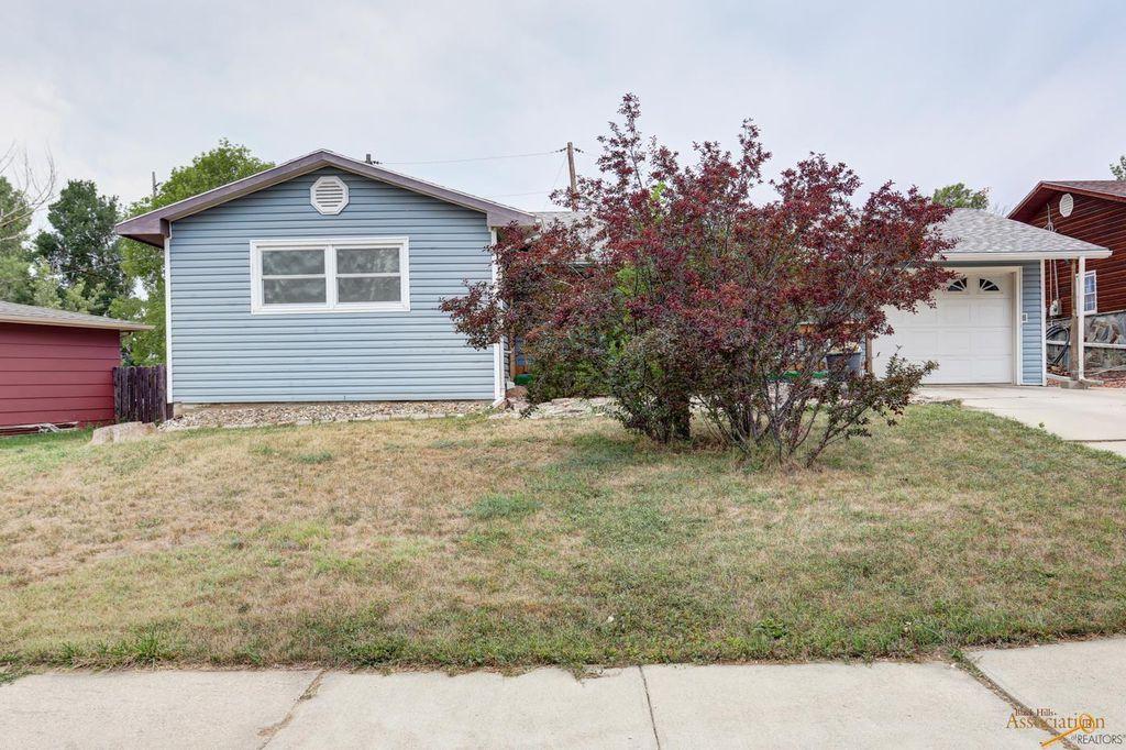 1403 N 7th St, Rapid City, SD 57701