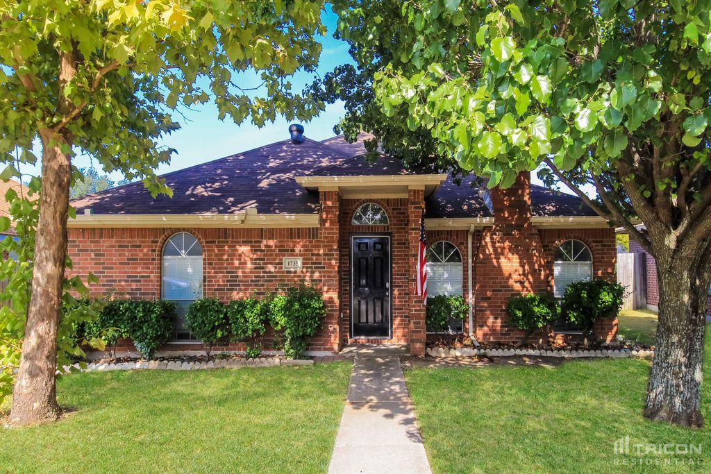 1735 Stewart St, Cedar Hill, TX 75104
