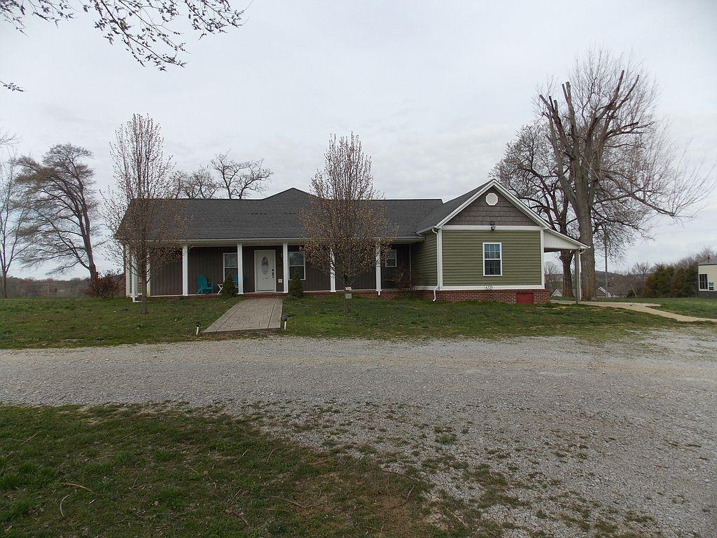 1302 Stevenson Mill Rd, Russellville, KY 42276