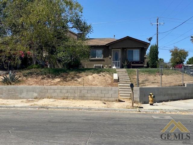 1526 Jefferson St, Bakersfield, CA 93305