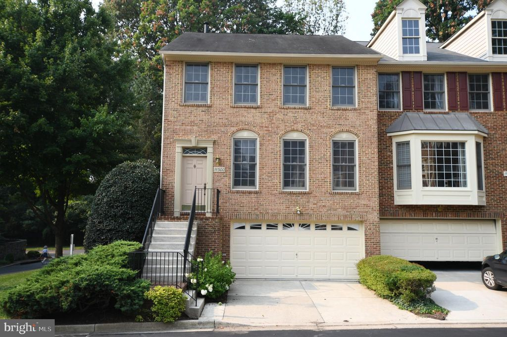 11300 Hollowstone Dr, Rockville, MD 20852