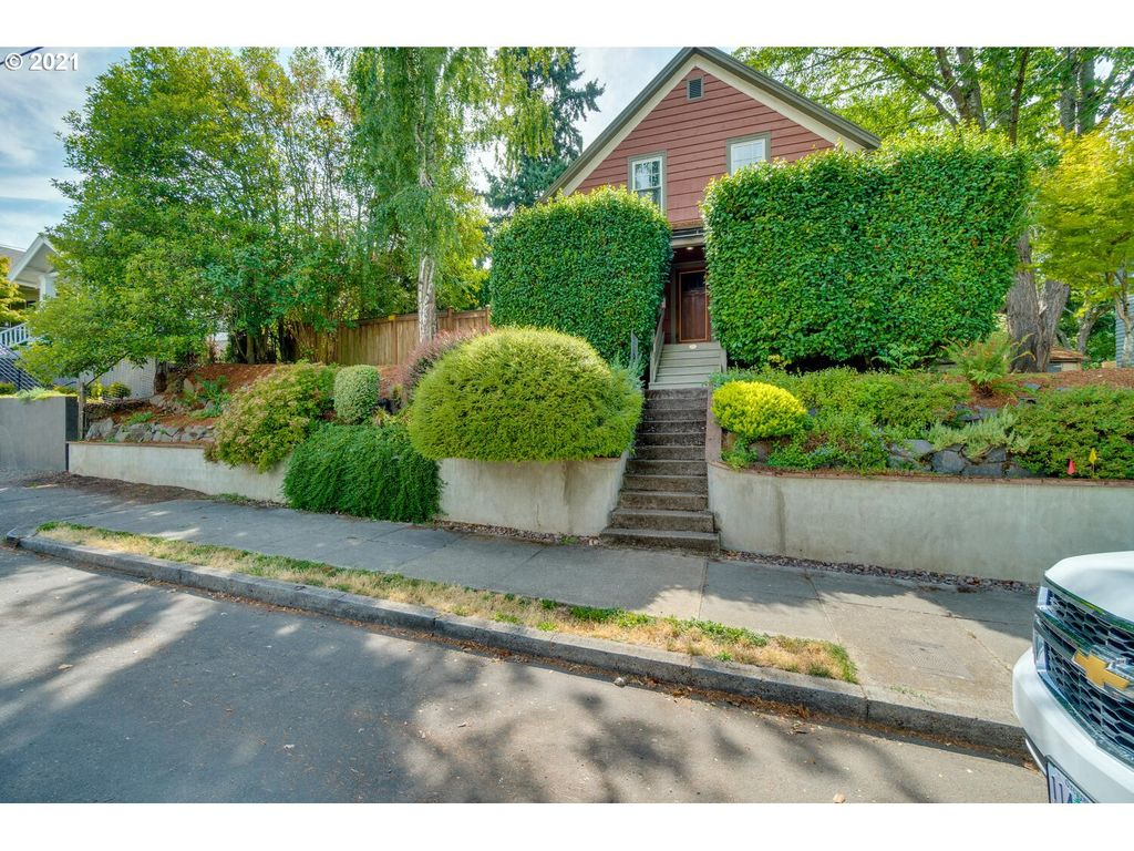 2805 SE 34th Ave, Portland, OR 97202