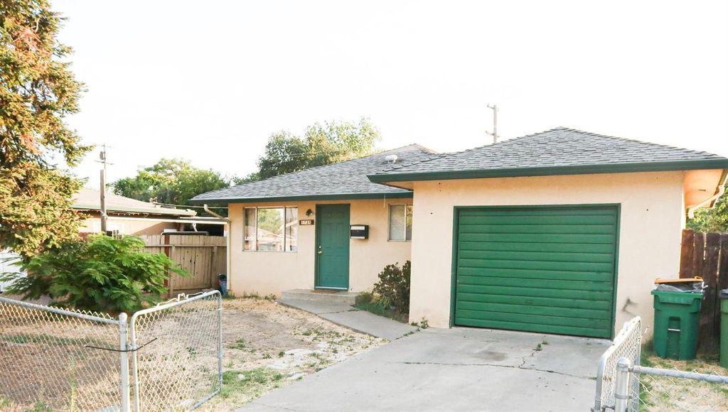1735 Hiawatha Ave, Stockton, CA 95205