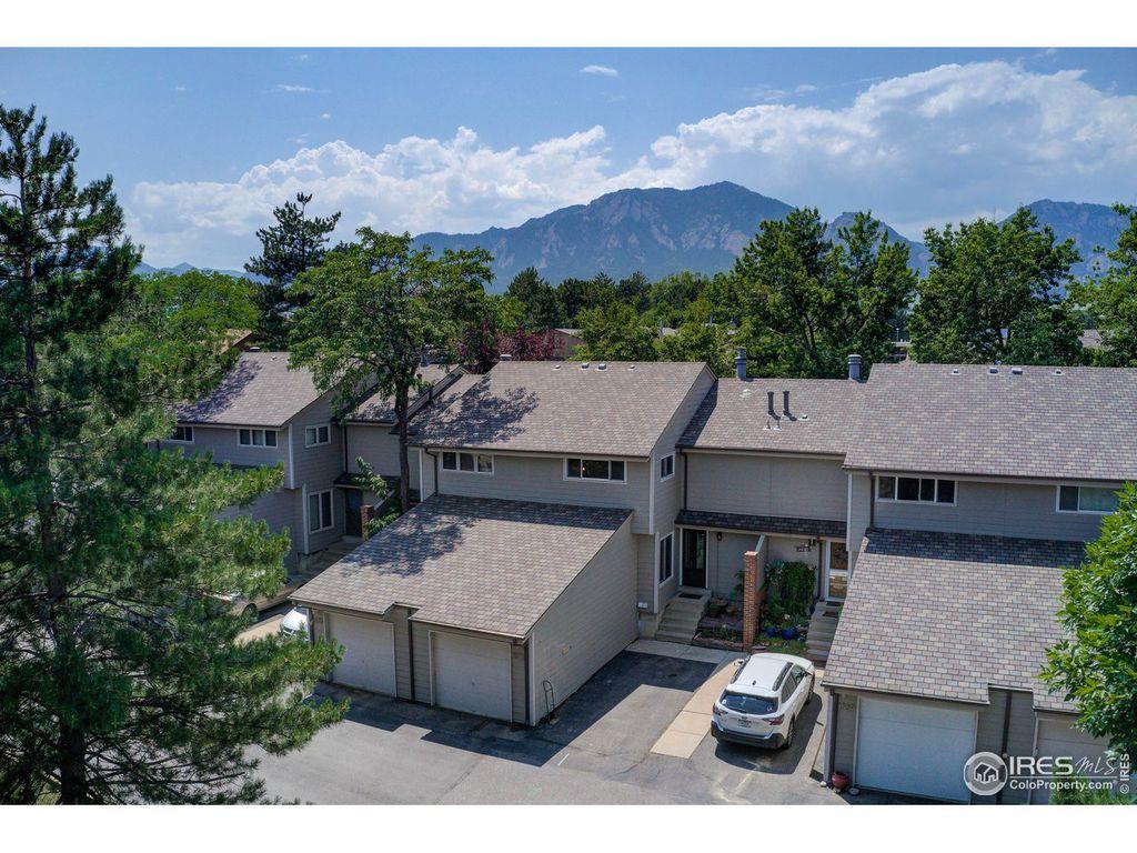 1571 Bradley Dr, Boulder, CO 80305