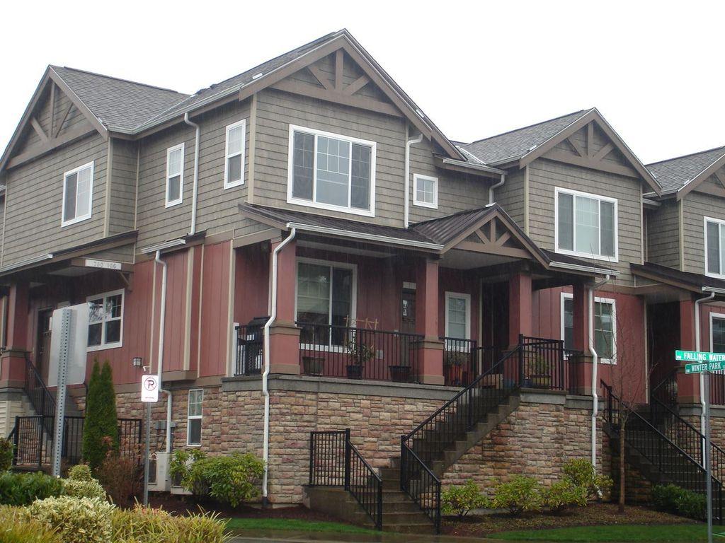 700 NW Falling Waters Ln #105, Portland, OR 97229