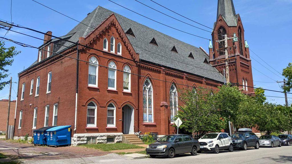 2613 Potomac St, Saint Louis, MO 63118