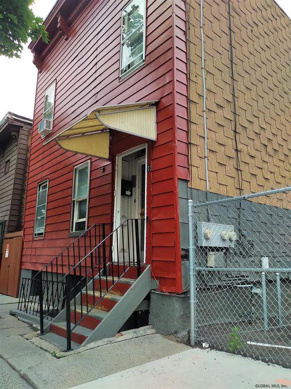 13 Sherman St, Albany, NY 12210