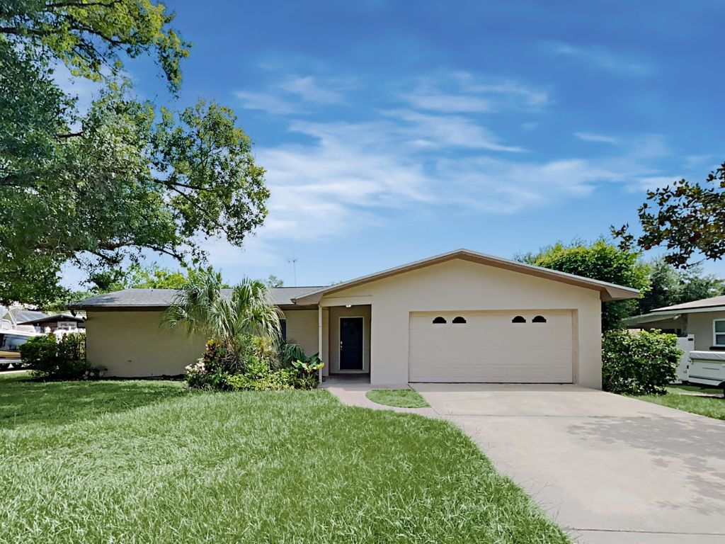 703 Shady Lane Ave, Clearwater, FL 33764
