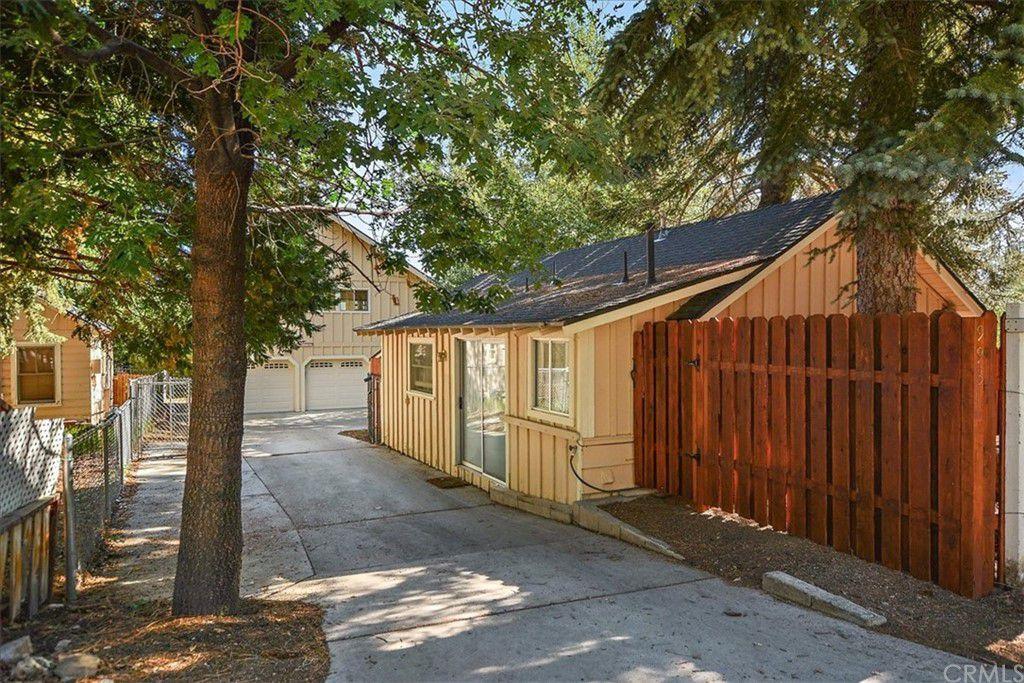 993 Cameron Dr, Big Bear Lake, CA 92315