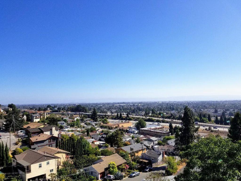 17009 President Dr, Castro Valley, CA 94546