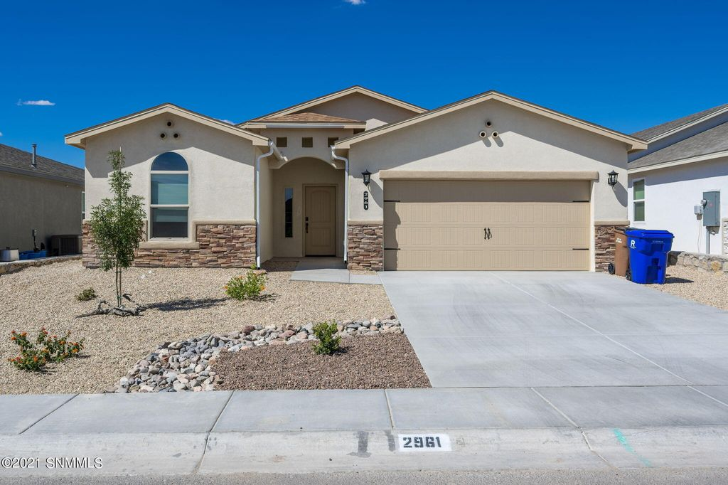 2961 Marvin Gardens Ave, Las Cruces, NM 88012