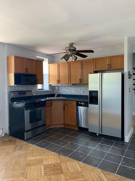 164 Ogden Ave #405, Jersey City, NJ 07307