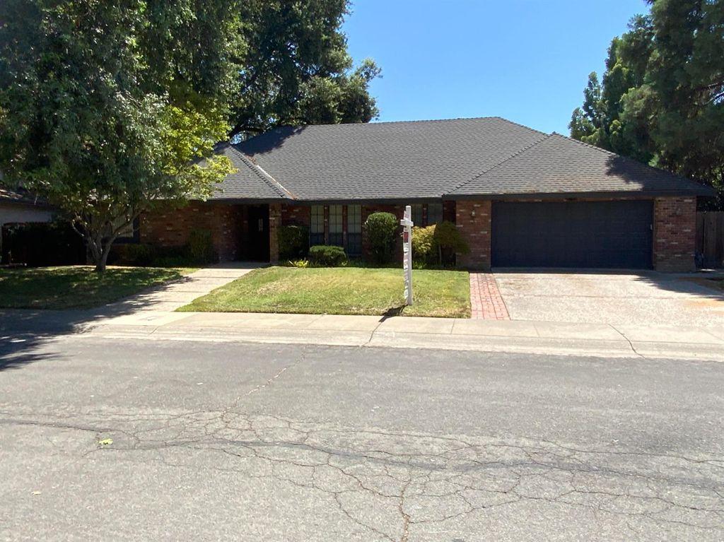 7719 Los Rancho Way, Sacramento, CA 95831
