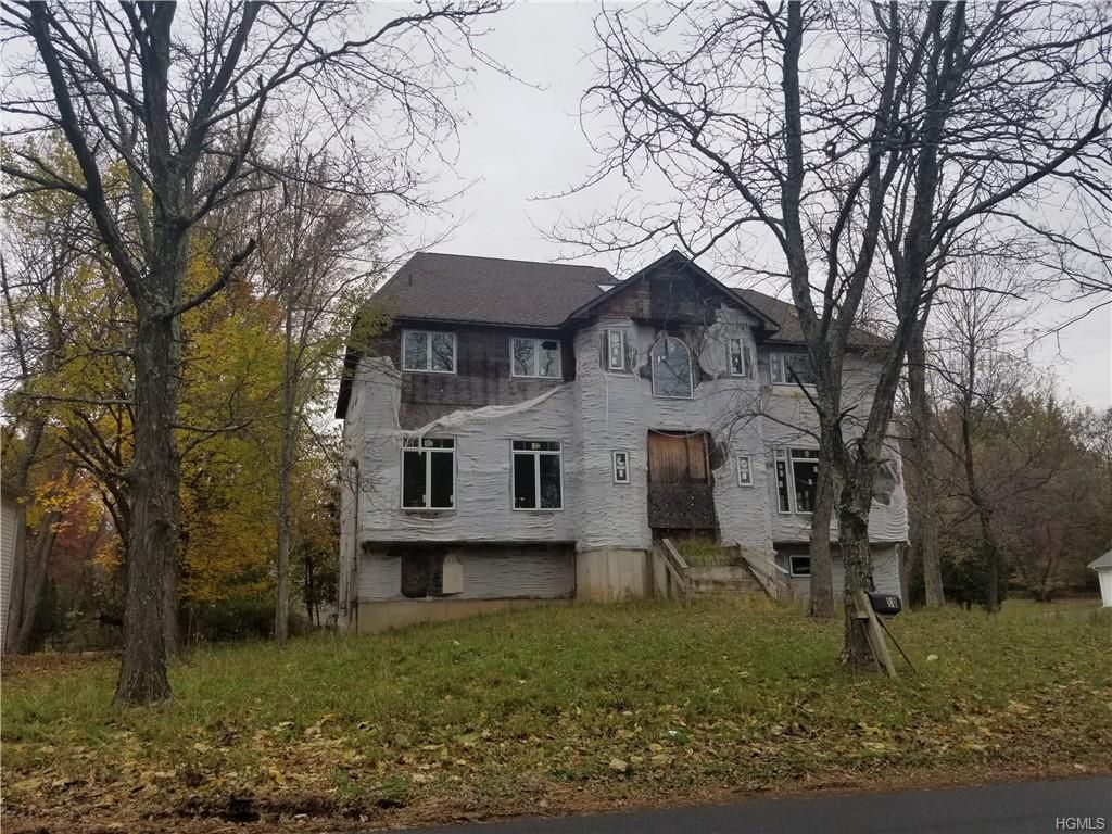 60 Carlton Rd, Monsey, NY 10952