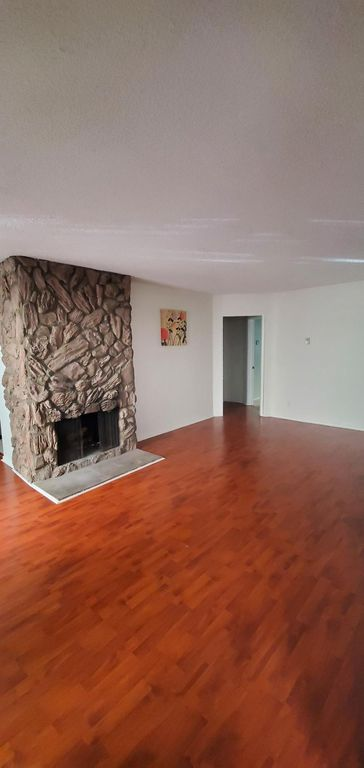 12423 Pacific Ave #104, Los Angeles, CA 90066
