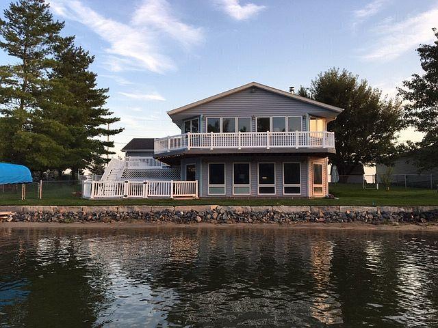 39 Summerhaven Lk, Kearney, NE 68847