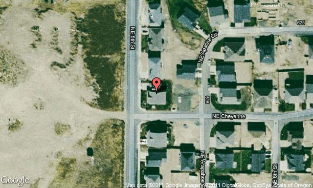 2312 NE 5th St, Redmond, OR 97756