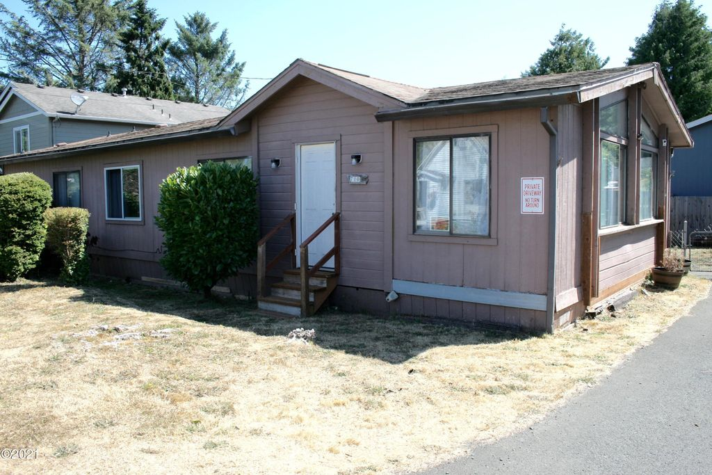 710 SE Port Ave, Lincoln City, OR 97367
