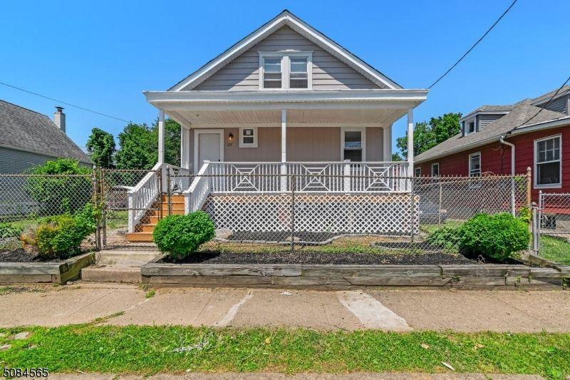 127 Hazel Ave, Trenton, NJ 08638