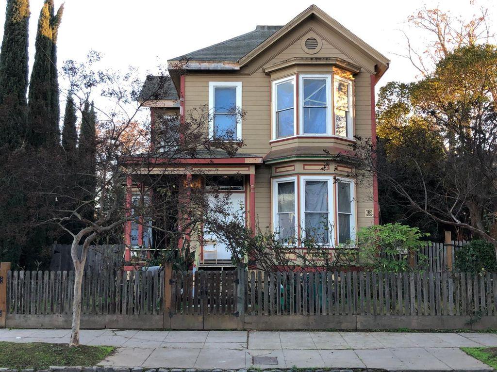 322 E Flora St, Stockton, CA 95202