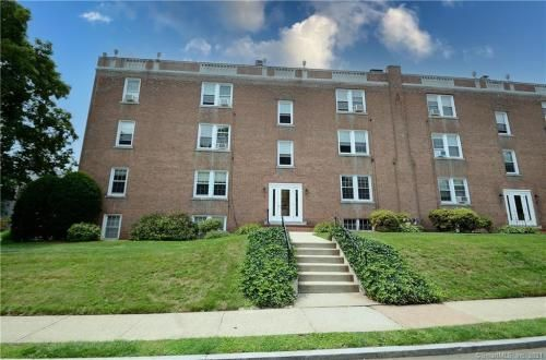 5 Robin Rd #5A, West Hartford, CT 06119