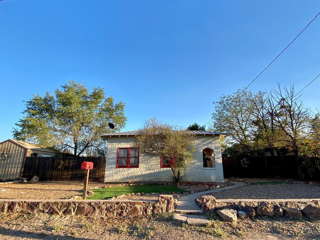 906 W Sul Ross Ave, Alpine, TX 79830