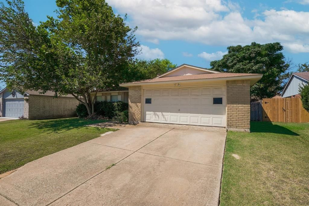 7612 Red Willow Rd, Fort Worth, TX 76133