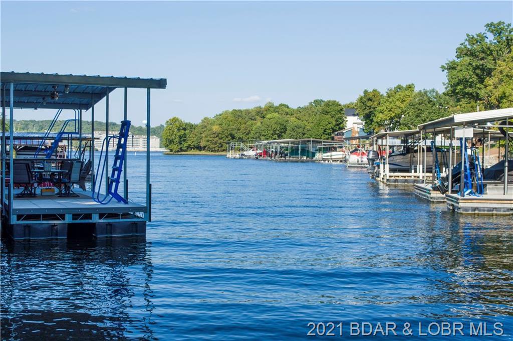 68 Big Bear Cir, Lake Ozark, MO 65049