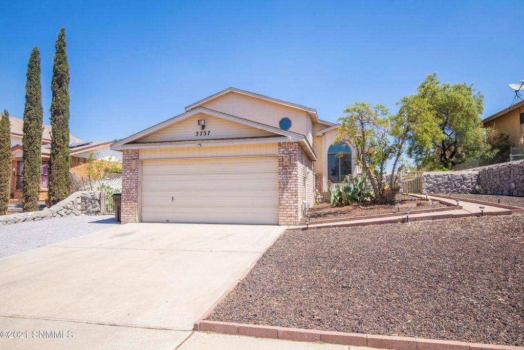 3737 Jade Ave, Las Cruces, NM 88012