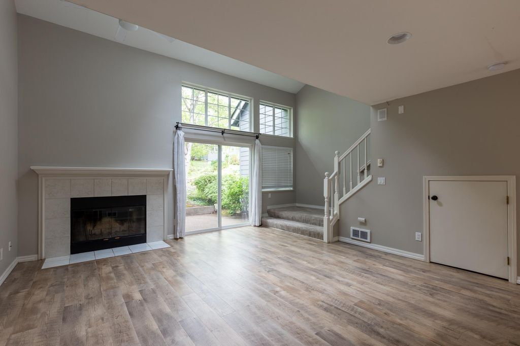9729 NW Miller Hill Dr, Portland, OR 97229