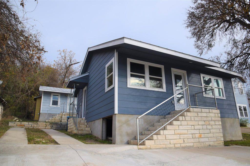 2718 Oak Springs Dr #A, Austin, TX 78702