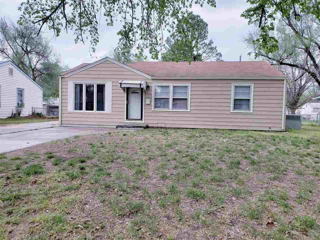 4556 S Oak Ave, Wichita, KS 67217