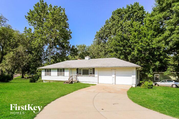 8700 E 87th St, Kansas City, MO 64138