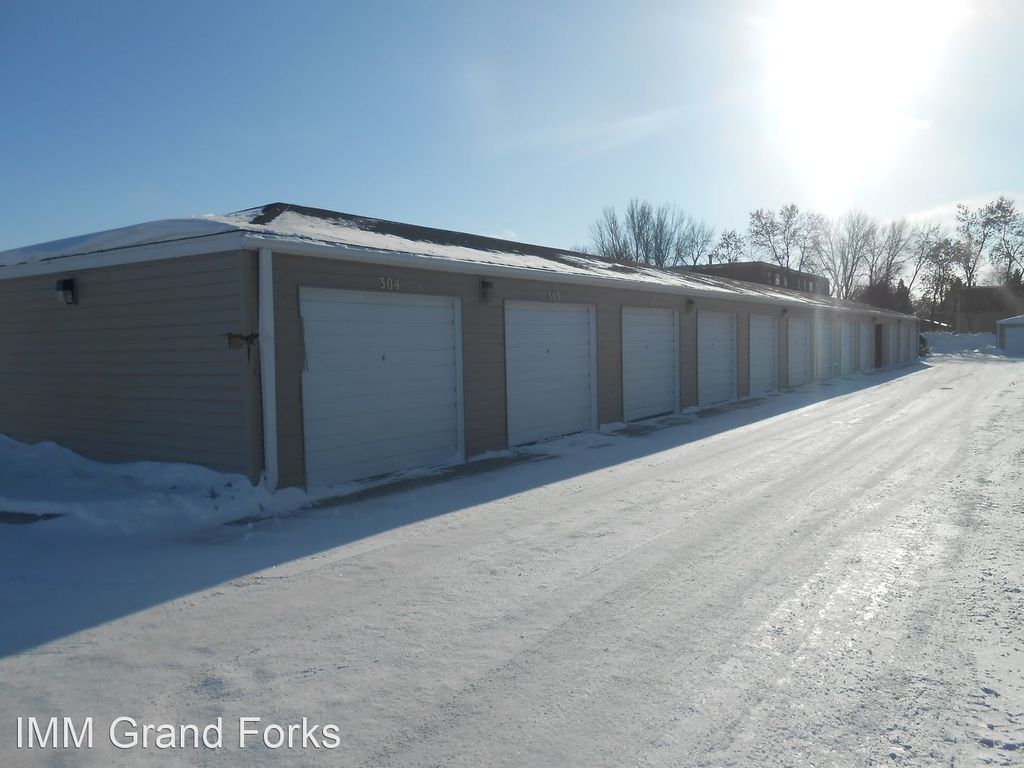 3531 13th Ave N #302, Grand Forks, ND 58203