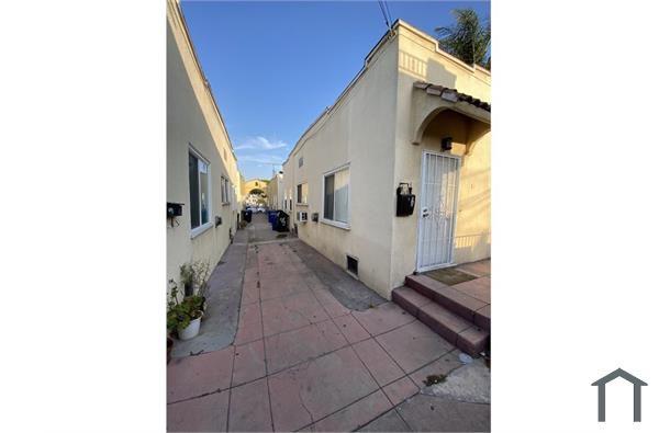 621 S Soto St #12, Los Angeles, CA 90023