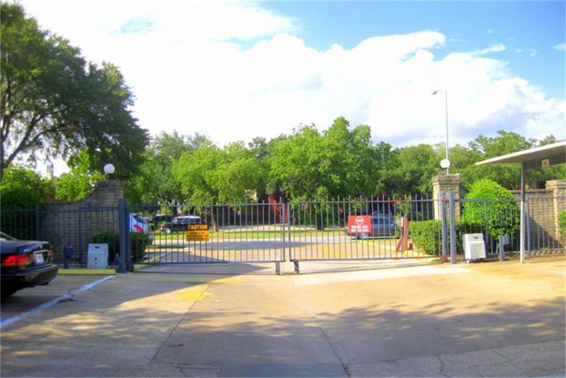8201 Richmond Ave #28, Houston, TX 77063
