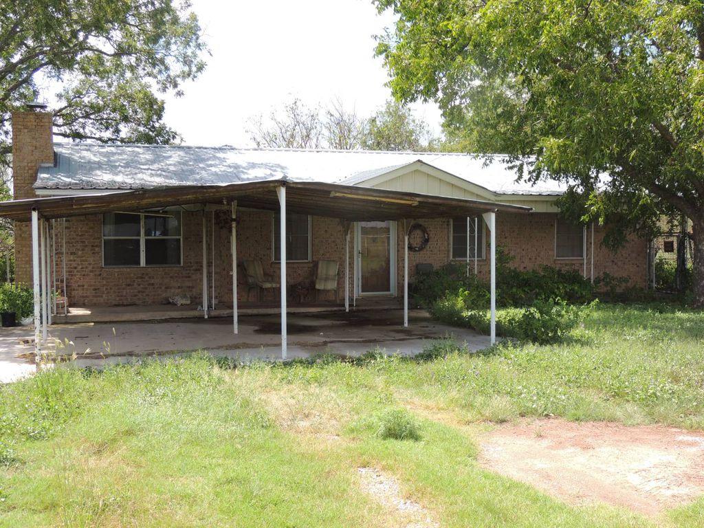525 N US Highway 283, Brady, TX 76825