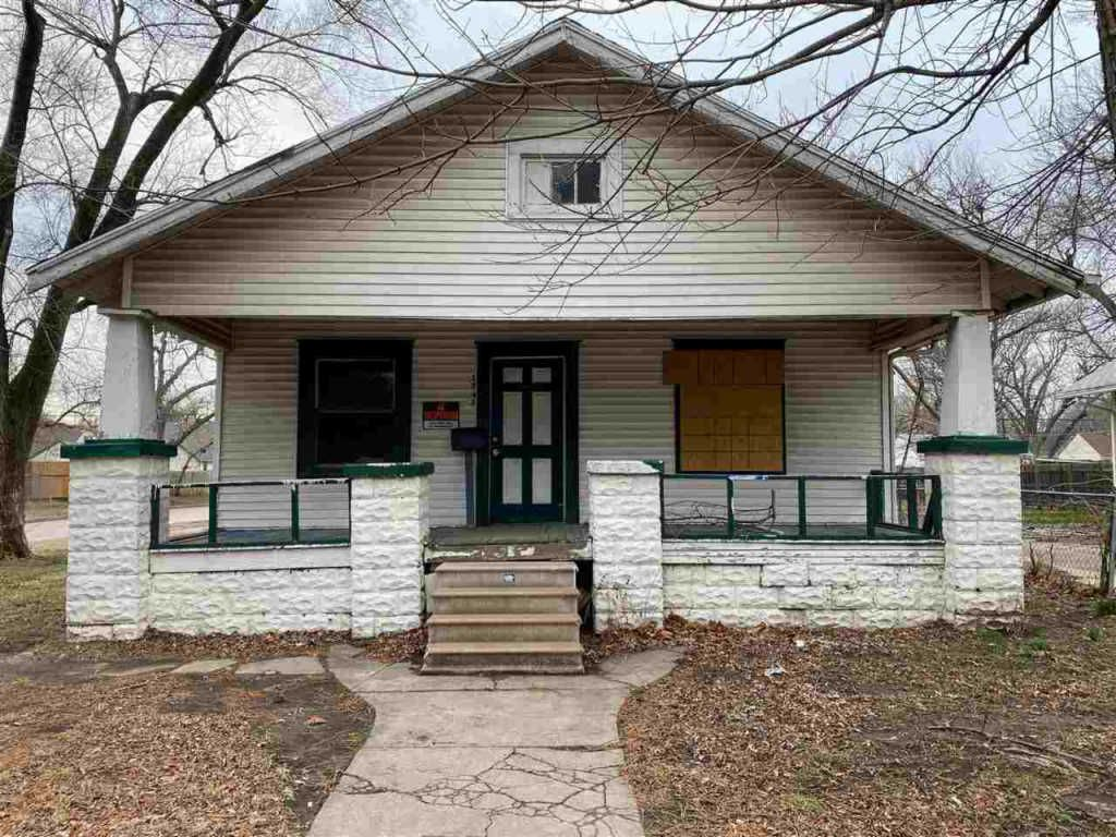 1747 S Santa Fe Ave, Wichita, KS 67211