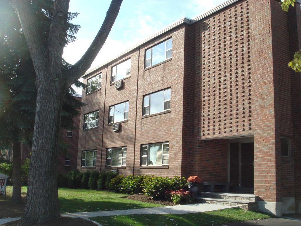360 Park Rd #B5, West Hartford, CT 06119