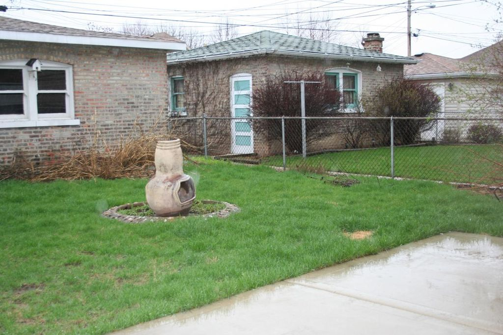 1828 Home Ave #2, Berwyn, IL 60402