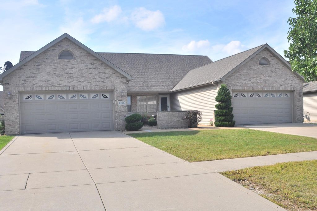 10400 Pike St, Crown Point, IN 46307