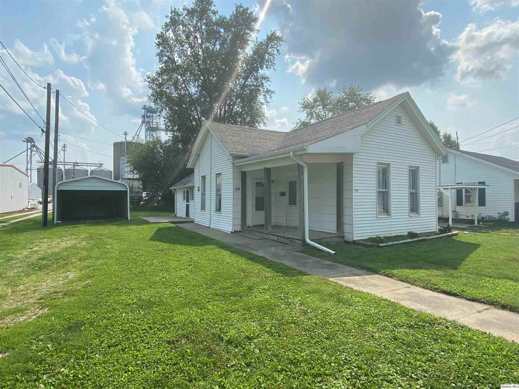 110 W Coline St, Mount Sterling, IL 62353