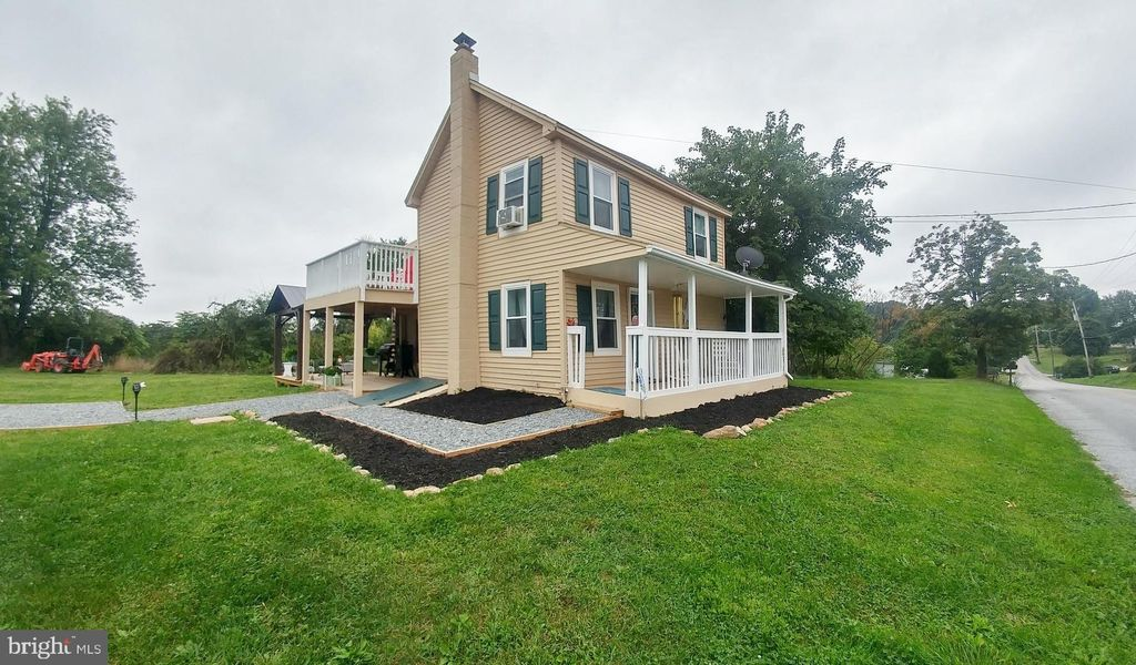 95 Crest Hill Ln, Red Lion, PA 17356