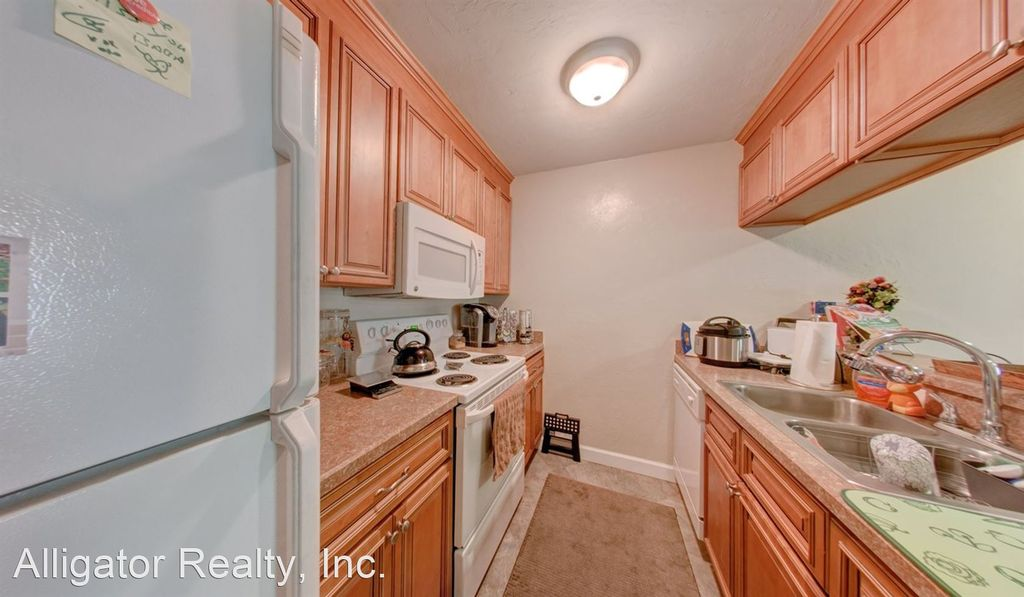 1210 NW 11th Ave #16A, Gainesville, FL 32601