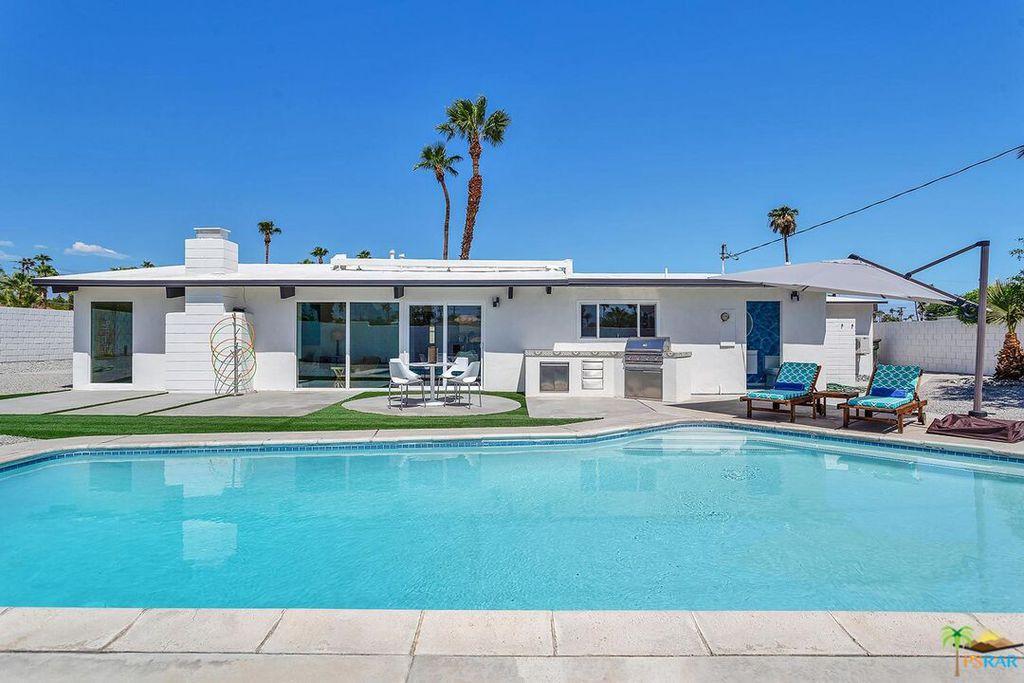 411 E Racquet Club Rd, Palm Springs, CA 92262