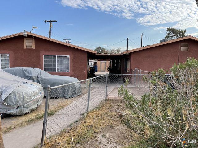 513 E 4th St, Calexico, CA 92231