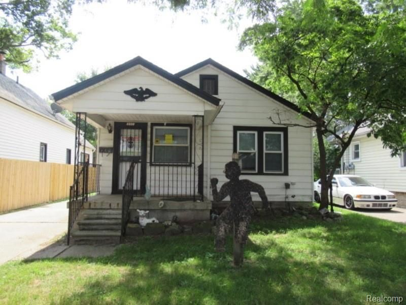 1228 E Jarvis Ave, Hazel Park, MI 48030