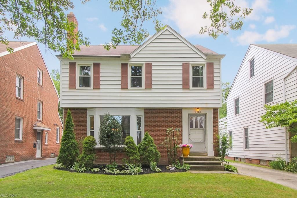 4178 Bushnell Rd, University Heights, OH 44118